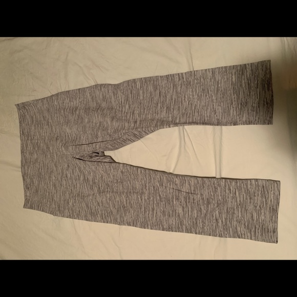 lululemon athletica Pants - 3/4 Crop Lululemon Workout Leggings